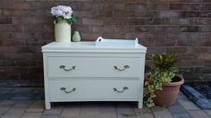 Lovely set of drawers painted in cream eggshell