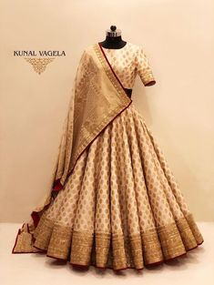 Perfect budget bridal lehenga under price point. Designer is from Indore, and does customisations. Wedding Lehenga Designs, Designer Bridal Lehenga, Indian Bridal Lehenga, Indian Bridal Outfits, Indian Gowns Dresses, Indian Fashion Dresses, Dress Indian Style, Indian Designer Outfits, India Fashion