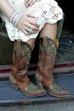 Major lusting going on for these boots...