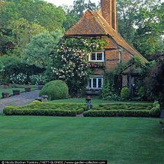 English Cottage & Knot garden