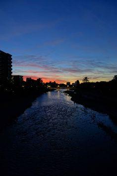 明日も夏の逆襲は続くらしいけど(^_^;) その代わり毎夕この街を「ちょっぴり異次元」に引き込んでくれるのでまあ・・しょうがないか。 Kanazawa, Scenery, River, Outdoor, Outdoors, Landscape, Outdoor Games, Paisajes, The Great Outdoors