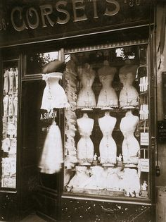what a pity these shops disappeared!