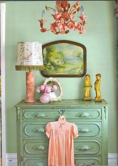love the colors for a vintage themed nursery one (far off) day!