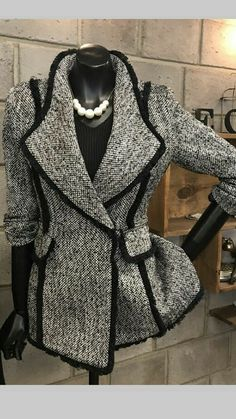 Super Ideas For Fashion Classy Elegant Blazers Look Fashion, Winter Fashion, Womens Fashion, Fashion Design, Trendy Fashion, Looks Chic, Mode Hijab, Classy Dress, Classy Clothes