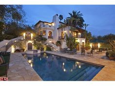 beautiful home in Los Angeles on Inverness Avenue