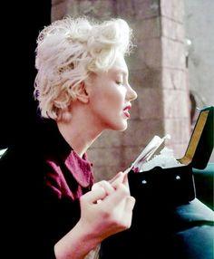 Marilyn Monroe : 12305 Fifth Helena Drive : Photo