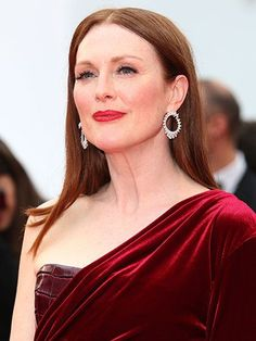 2015 Cannes Film Festival - Julianne Moore's straight middle-parted hairstyle with red lips and rosy cheeks | allure.com