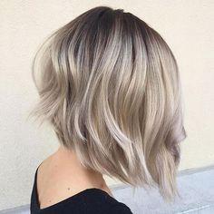 ¡Aquí hay una propuesta de peinado perfecta, estilos de peinados cortados en capas! Deberías echar un vistazo a estos maravillosos cortes de pelo que todas las mujeres querrán probar una vez en la vida. Los estilos de corte de cabello en capas son muy adecuados para el tipo de cabello fino. Se ve más exuberante …