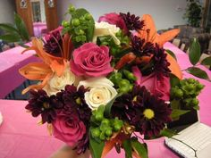 Asiatic Lily Bridal Bouquet | The bride's bouquet with asiatic lilies, hypericum berries,