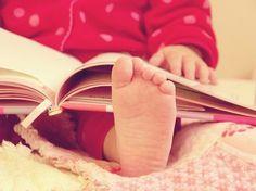 awww baby reading