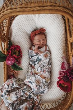 Make your baby a mini fashionista with our Deep Rust Topknot Headband. This would make the perfect gift for a new baby or the expecting mum. Baby Girls, Cute Baby Girl, Baby Girl Newborn, Toddler Girls, Newborn Baby Photos, Baby Outfits Newborn, Bringing Baby Home, Girls Coming Home Outfit, Take Home Outfit
