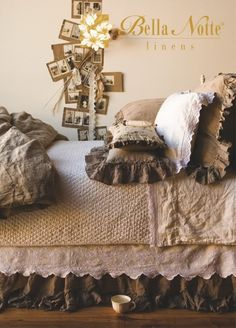 the perfect bed! Oh my gosh!! This goes perfect with my current burlap obsession!