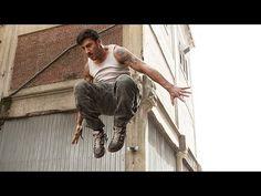 David Belle - Parkour Founder | Amazing Stunts Animation Reference, Poses For Men, Parkour, Extreme Sports, Stunts, Martial Arts, Statue, Adventure, Amazing