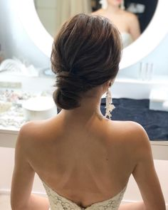 No waves at all! Clean Shinyon's Bridal Hair Catalog - Hairstyles For All Asian Wedding Hair, Beach Wedding Hair, Wedding Updo, Hawaii Wedding, Romantic Hairstyles, Bun Hairstyles For Long Hair, Bride Hairstyles, Gorgeous Hairstyles, Hair Arrange