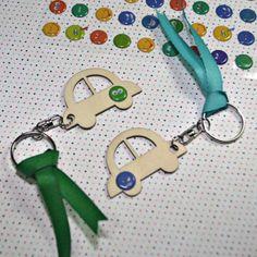 Kit DIY para hacer llaveros como regalo de comunión. Es tan divertido y tan sencillo que hasta ellos mismos podrán participar en el montaje,