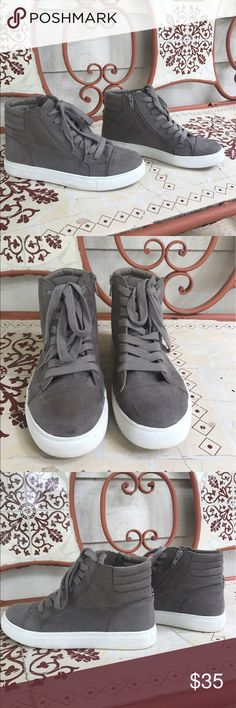 Steve Madden Shoes Steve Madden high tops, brown/grey/taupe color! Almost like new, in GREAT condition 😍 Steve Madden Shoes Sneakers