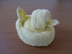 How to make a chick duck with a towel (towel art) おしぼりアート ひよこ アヒル - YouTube