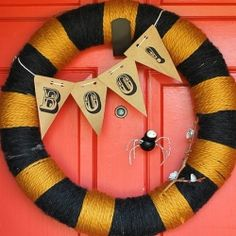 Need some great, last-minute ideas for Halloween? Here are some great gift and home decor projects.