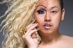Fotos de travestis maquiados pela metade.  PERFEITO!