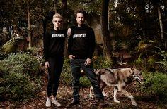 NEW ARRIVALS # Unser Lieblingsmotiv Rotkäppchen und der Wolf von esca gibt es jetzt auch auf Fairtrade Biobaumwollsweater. Made in Vienna. Fairtrade, Husky, Winter, Dogs, Beret, Army, Tent Camping, Winter Time, Pet Dogs