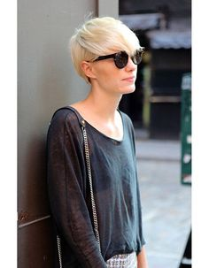 In this article, we are listing some of the great short blonde haircuts for you to appreciate and maybe imitate in the future. Thick Hair Styles Medium, Medium Short Hair, Short Hair With Layers, Short Hair Cuts, Short Hair Styles, Short Pixie, Pixie Cut, Short Hairstyles 2015, Short Blonde Haircuts