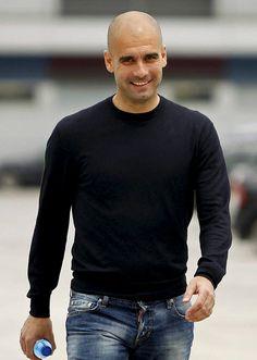 Josep Guardiola va a convertirse en el entrenador mejor pagado del mundo con un salario de 17 millones de euros brutos.