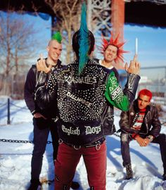 The Casualties Photo Punk Mohawk, Punk Guys, Estilo Punk Rock, Mode Punk, Emo, Anti Fashion, Men's Fashion, Punk Rock Fashion, Riot Grrrl
