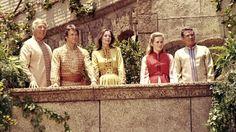 George Kennedy, Bobby Van, Sally Kellerman, Liv Ullmann and Peter Finch in Lost Horizon, 1973
