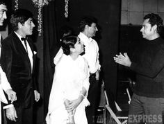 Sunil Dutt, Raaj Kumar, Lata Mangeshkar, Dev Anand and Kishore Kumar. Bollywood Photos, Bollywood Stars, Bollywood Celebrities, Bollywood Actress, Indian Bollywood, Pakistani, Old Film Stars, Movie Stars, Raaj Kumar