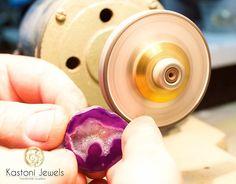 #kastonijewels #goldring #silverring #naturalgemstone #jewelry #kastonijewelsring #goldplated #rhodiumplated  #handmadering #handcraftedring #bezelring #roughgemstone