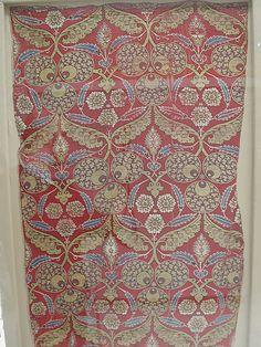 Rectangular silk fragment Object Name: Fragment Date: last quarter 16th century Geography: Turkey, Bursa Culture: Islamic Medium: Silk, metal wrapped thread; lampas (kemha) Accession Number: 52.20.20