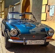 Fiat 124 Spider, S Car, Commercial Vehicle, Sport Cars, Villas, Cars Motorcycles, Classic Cars, Sun, School