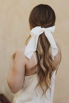 Boho Hairstyles, Headband Hairstyles, Wedding Hairstyles, Head Scarf Styles, Hair Styles, White Headband, Headband Scarf, Hair Ribbons, Hair Cover