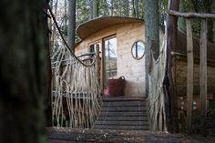 A small treehouse in Powys, Wales, UK. Photos by Chris Wild. Small Tiny House, Tiny House Swoon, Floating Architecture, Small Buildings, Forest House, Shipping Container Homes, Small Trees, Tiny Living, Small Spaces