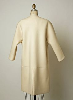 Coat.  House of Balenciaga  (French, founded 1937).  Designer: Cristobal Balenciaga (Spanish, 1895–1972). Date: 1968. Culture: French. Medium: wool.