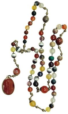 Agate rosary of Anna Jagiellon with intaglio with bust of Christ by Anonymous from Italy, second half of the 16th century, Muzeum Zamoyskich w Kozłówce, possibly a gift from Stanisław Hozjusz in 1572