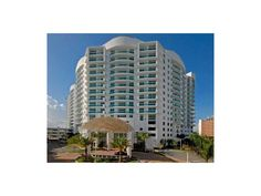 7910 Harbor Island DR #710, north Bay Village 33141 Spacious unit with 2bed plus den and 2 bath. Bay views, 2 balconies and more. The building features 2 pools, gym, clubhouse and marina on site. Pet friendly building. Easy to show!
