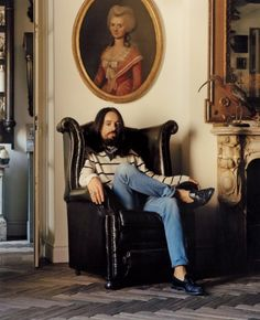 HOUSE ON FIRE Alessandro Michele.  le nouveau directeur artistique de Gucci, et les modèles Tami Williams & amp;  Mica Arganaraz pour le numéro de Juillet 2015 de Vogue US.  Photographe: Jamie Hawkesworth Styliste: Camilla Nickerson.