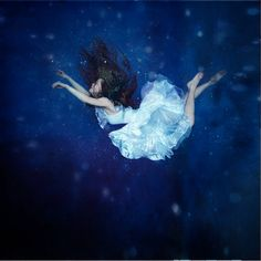 Anka Zhuravleva 'distorted gravity'