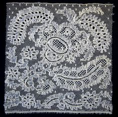 Beverse kant = Beveren lace, a variety of point ground bobbin lace Bobbin Lacemaking, Types Of Lace, Paisley Fabric, Linens And Lace, Displaying Collections, Lace Making, Antique Lace, Fabric Decor, Traditional Outfits