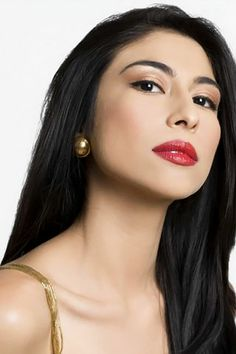 Pakistani singer-turned-actress Meesha Shafi has bagged another Bollywood movie, a film adaptation of The Reluctant Fundamentalist. Her co-stars are Farhan Akhtar and Sonam Kapoor.