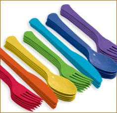 Solid Color Cutlery    I like this color scheme!, plus pink!