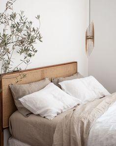Interior Design Minimalist, Minimalist Bedroom, Minimalist Bed Linen, Home Bedroom, Bedroom Decor, Bedroom Ideas, Bedroom Signs, Bedroom Styles, Kids Bedroom