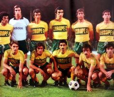 F.C NANTES 1977-78. Retro Football, Vintage Football, Football Kits, Football Jerseys, Soccer Teams, Fc Nantes, Image Foot, Great Team, Forever