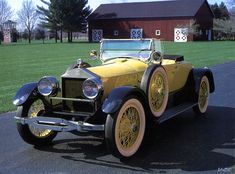 This is a 1920 Gold Roamer Roadster. It was one of the best cars in 1920.