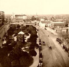 Alamo Plaza, San Antonio, Texas, 1909 Great Places, Places To Go, Texas Getaways, Texas Signs, Texas History, Local History, Loving Texas, Texas Pride, West Texas