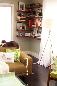 Floating shelves in the corner | I need to do something like this in my living room.....WEEKEND WARRIOR PROJECT