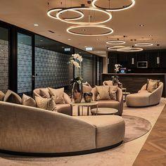 #interior #interiordesign #instaliving #erickuster #metropolitan #luxury #ekml #luxuryliving #officedesign #vienna #wien #austria #goldenesquartier #styling #buildingthebrand #corporatedesign #sexy by erickuster