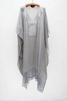su kaftan. I want a collection of these to lounge around the house. Much more elegant for running the dog outside than a huge tee and gym shorts.