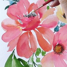 It's a fun day when I get to paint flowers this size! Curves, movement and white space between petals is really what loose florals are all about! Watch my Instagram stories for more videos of me painting the flowers! Also, you guys asked for a week night #floralwatercolor class, so we've listed one! Two weeks from today (April 26), I'll be back at the beautiful @wayfarehq in Fullerton, CA for a class from 6-9pm! Sign up by going to www.monvoir.com/classes! Hope to see you there! #monvoir…